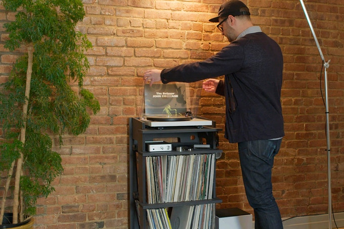 HEIGHT: The turntable shelf is the ideal height for turntable operation. No more scrunching over.