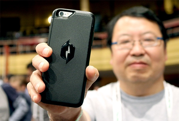 Co-Founder - Dr. Robert Lee, holds one of the first prototypes at TechCrunch Disrupt. (Photo Credit: Chris Velazco) - Engadget