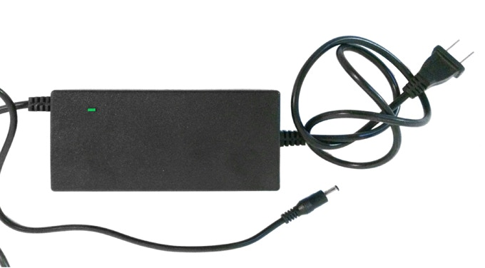 Charger 110-220V   Very LIGHT  2.5x1.5x6in  Plug For Your Country