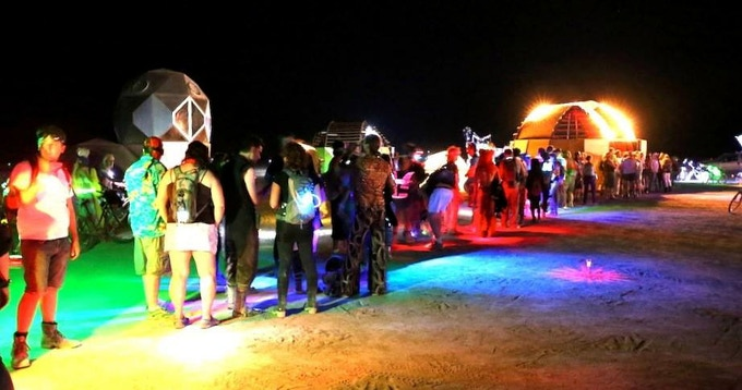 The line for the telescope in 2014. Photo by Michael Risch