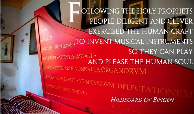 Quote placed on the inside of Viola Organista's lid