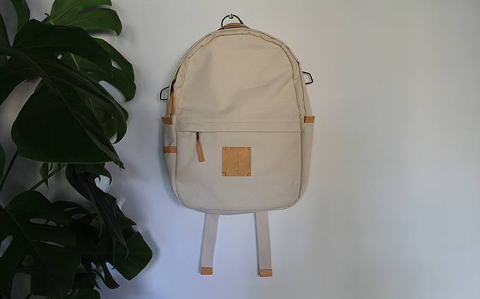 Offwhite w/ lightbrown leather