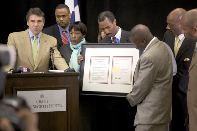 Governor Perry issues Tim's mother the posthumous pardon