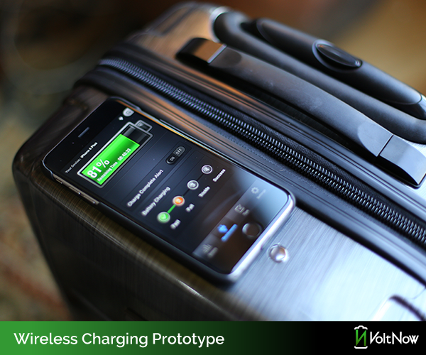 Just rest a wireless charging capable phone on top to begin charging.