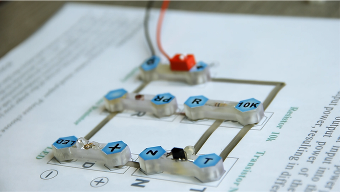 "An ""automatic light"" circuit using Nectro adaptor and Nectro circuit templates."