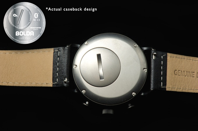 "Simple ""coin-twist"" caseback for easy battery replacements on the BOLDR Smartmodule"