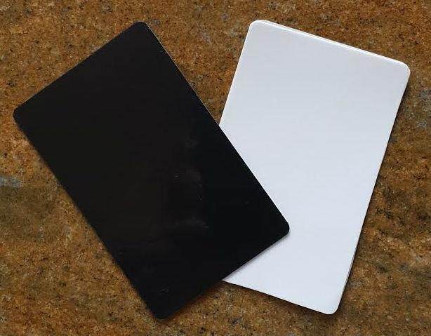 Black and White NanoHolds