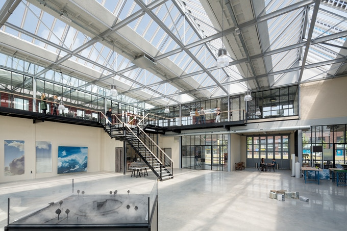 Studio Roosegaarde HQ with the Smog Free Maquette on the left!