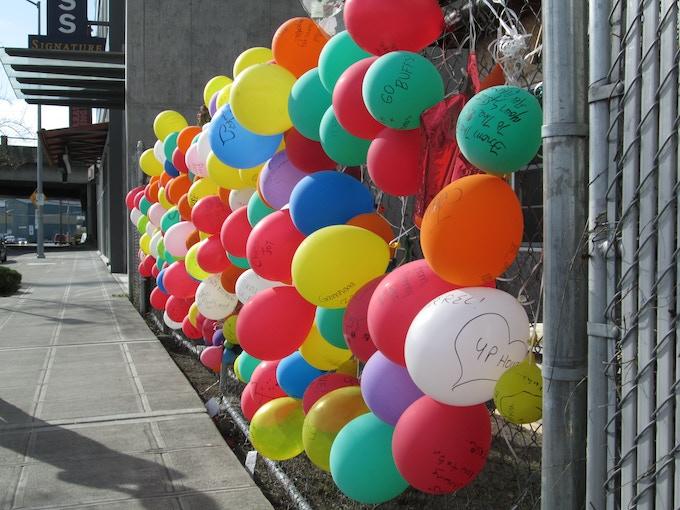 "Public balloon tribute at Edith's ""Up House."" Photo courtesy of NoBSBroker.com."