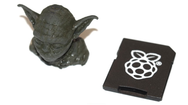 A small 3D printed Yoda shows the printing quality of the current prototype -not bad!