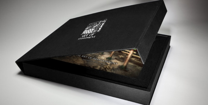 Collector's Edition With Clam-shell Case