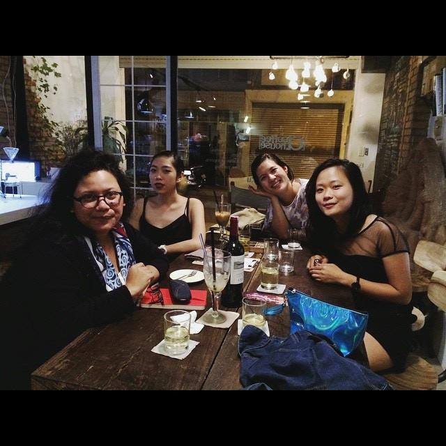 Lab 7 artists & Nau (Lab Alumni and current Sàn Art Laboratory Manager)
