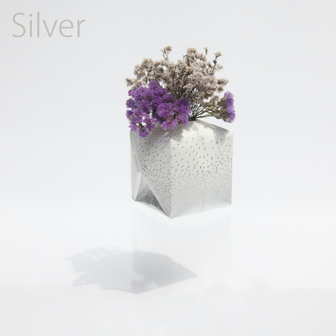 Silver / Tyvek / 80mm(W) x 80mm(D) x 80mm(H)