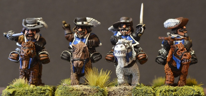 Mounted Dwarf Musketeers Figure Pack MDM1A