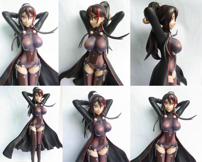Click the image or link below for larger images of the figurine