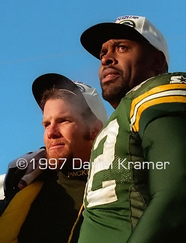 Brett Favre with Reggie White in the podium in Lambeau Field after winning the NFC Championship