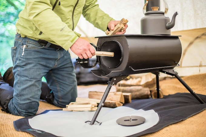 Lay your fire and light it - Frontier Plus ∙ A Next-generation Portable Woodburning Stove By