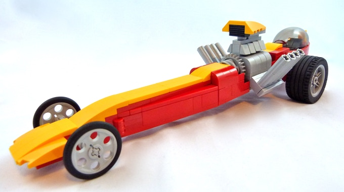 LEGO dragster built by Lino Martins