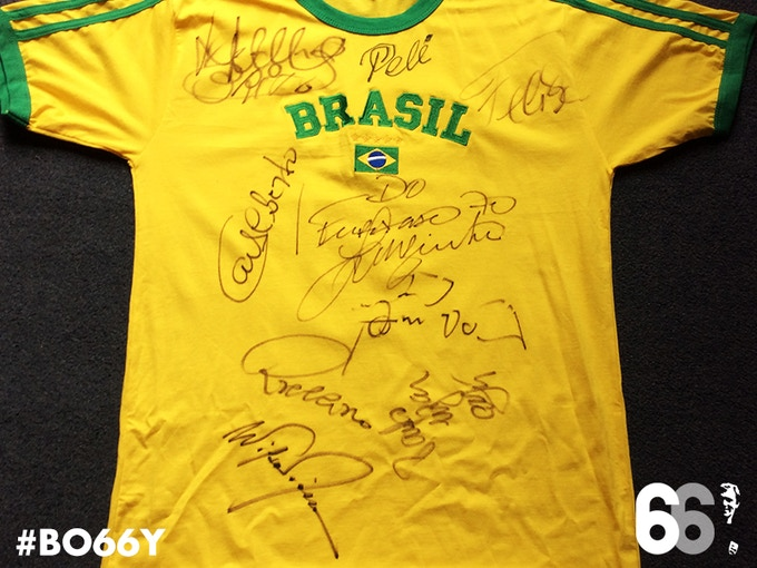 T-shirt signed by Brazil's legendary 1970 World Cup winning team (Pele, Felix, Carlos Alberto, Rivelino, Piazza, Jairzinho, Brito, Gerson and Clodoaldo)