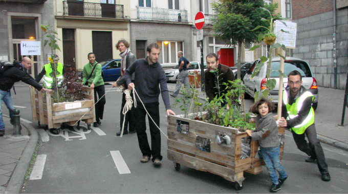 Self City Brussels. Small change in action