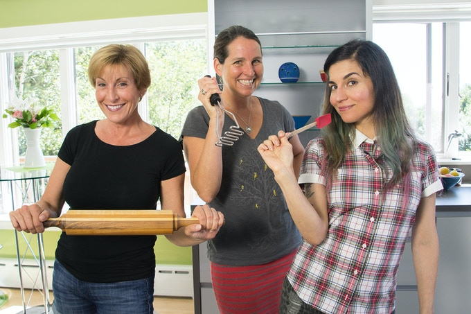 On set with Toni Fiore, guest Elizabeth Fraser and  and co-host  Terry Romero