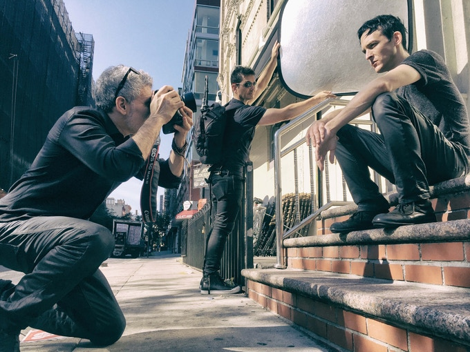 Photographing GOTHAM actor Robin Lord Taylor in the streets of New Yotk