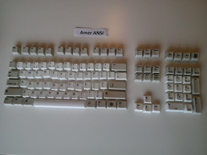 USA layout ANSI standard (rectangular Enter key etc...) White and Beige
