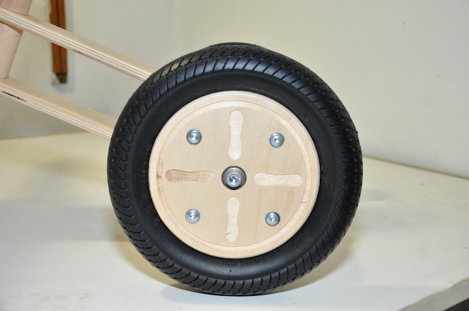 combination of wooden rim and inflatable rubber wheel