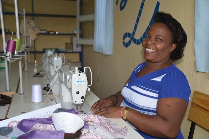 Artisan Mrs. Éveline during training at the new S2S studio in rural Haiti ©Smile2Smile