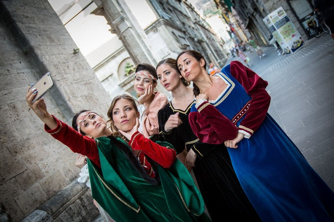 Living the Middle Age traditions of Quintana in Ascoli Piceno