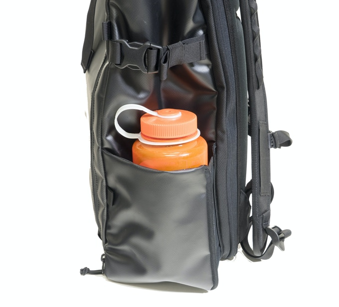 Easily fits both large and small water bottles.
