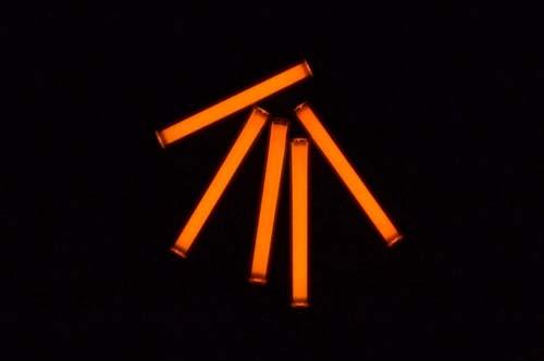Tritium vials in a complete darkness