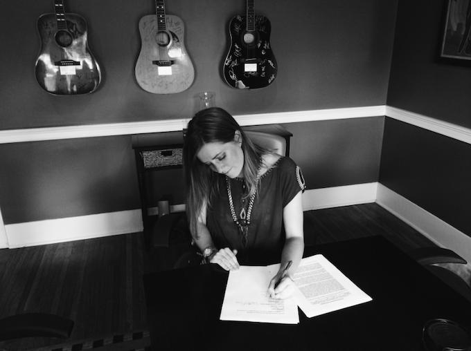 Dualtone Signing Summer 2014