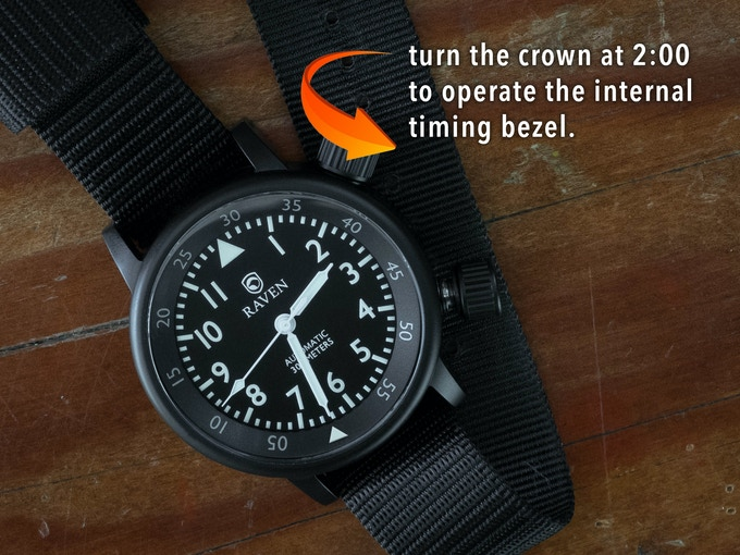 The Raven Defender has a bi-directional internal timing bezel