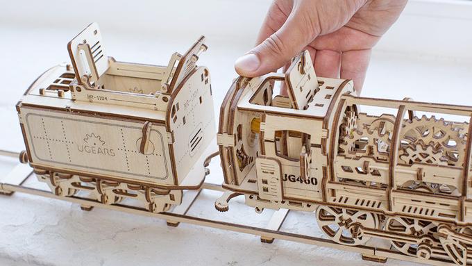 Ugears! wooden mechanical models    D B R C  RACING