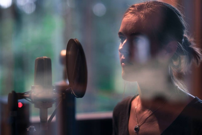 Anna in the recording studio (photo by Sacha Müller)