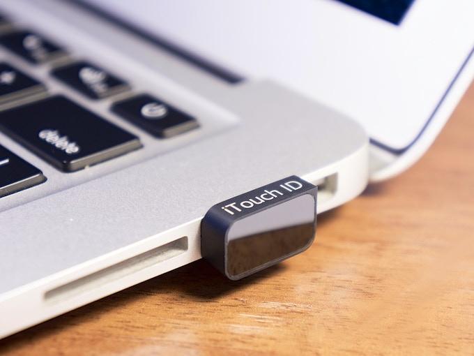 iTouch ID - Black - MacBook Air