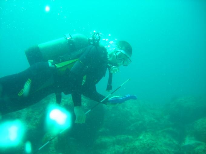 Paolo, surveying underwater archaeological heritage (Ojika Island, Goto Arcipelago, Japan)