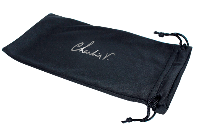Microfiber draw string pouch will protect those valuable lenses when you're on the go.