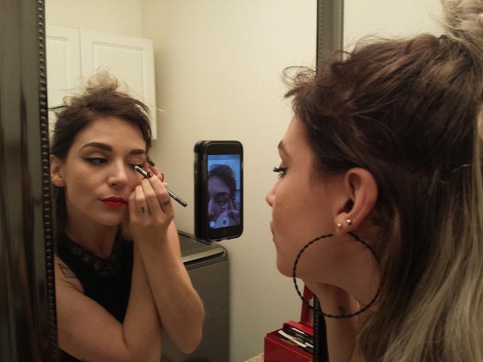 Makeupfie with PicGlu