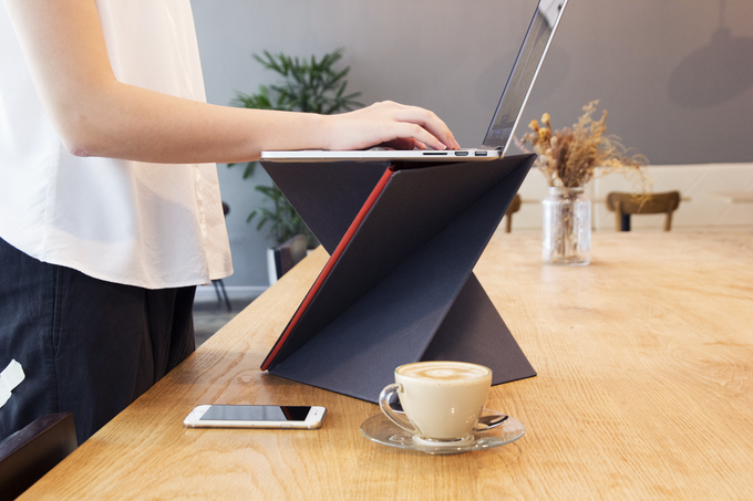 LEVIT8 your laptop anytime, anywhere.