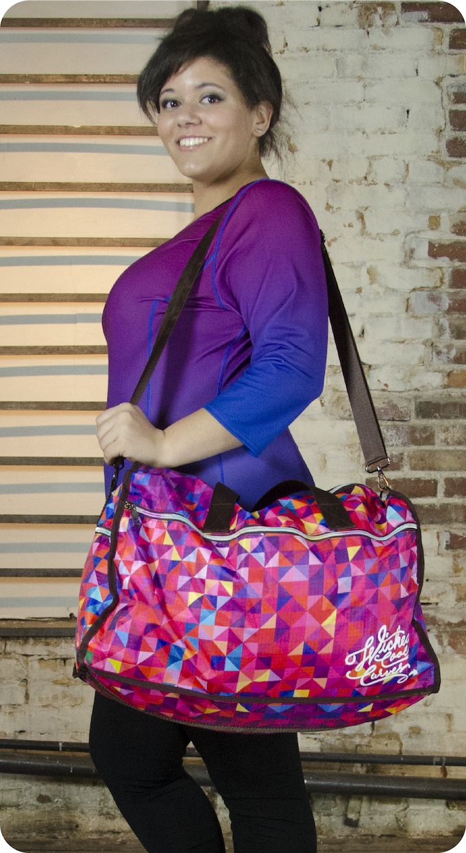 Duffle bag in red multi, Princess Tee in blue/pink
