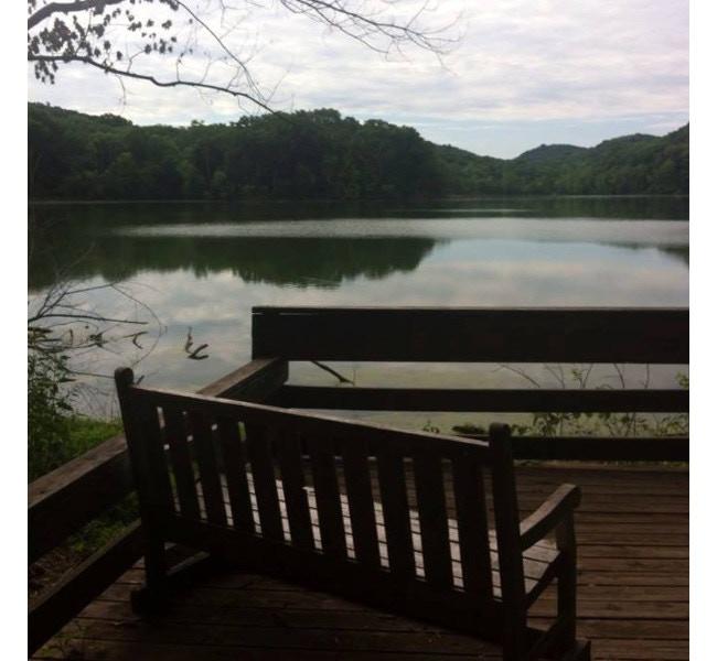 Hiking at Lake Radnor