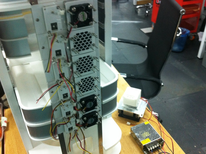 Work in progress - Test setup with fans and sensors to control the microclimate!