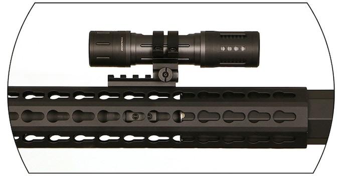 Atlas C57 Carbon Fiber Titanium 1 000 Lumen Flashlight