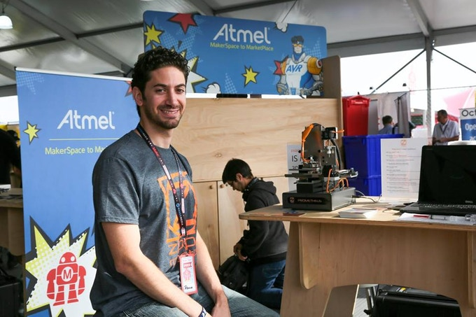 Showing Prometheus at the Atmel booth at World Maker Faire 2015 in NY