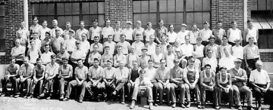 The 1932 staff of Bollman Hat Company.