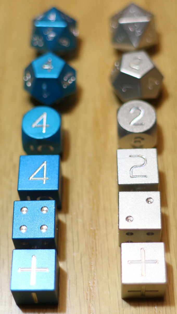 Choose from Round or Square corners on your D6