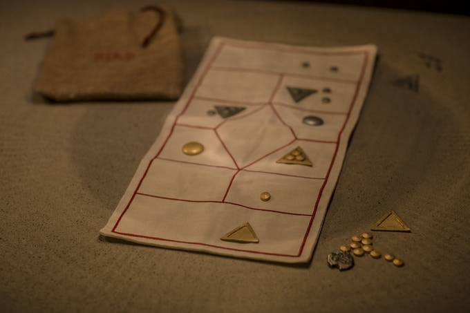 The HIRÞ board (The game in the picture is a prototype.)