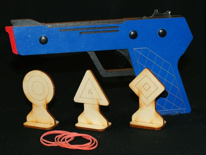 1 Ultrashooter (choose 1 of the 6 colors), 3 targets (shapes Set), and 12 rubberbands